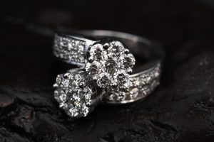 ring-2405152_1280